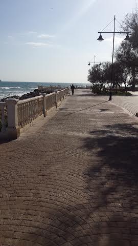 Strandpromenaden i Torrevieja hör till stadens styrkor